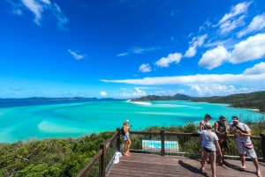 Whitsundays Islands: Private Catamaran (24 People Max)