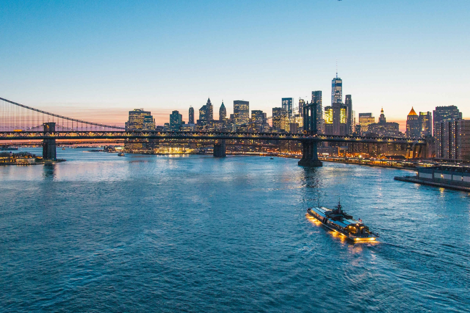New York 3-Hour Bateaux Dinner Cruise