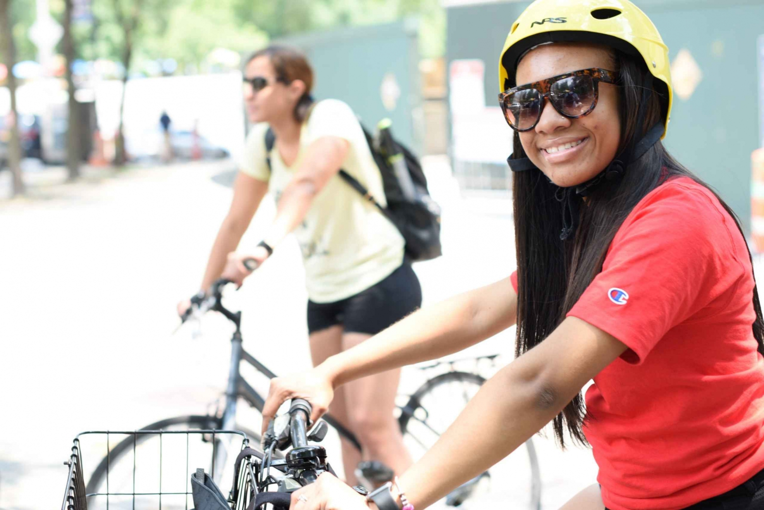 New York City: Bike Rental and Sightseeing Cruise Tour