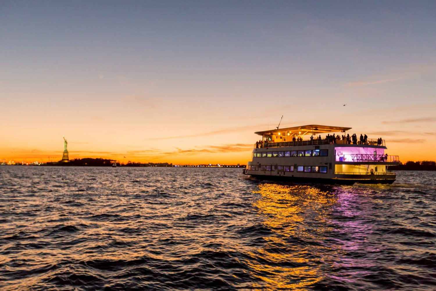 New York City Lights Dinner Cruise
