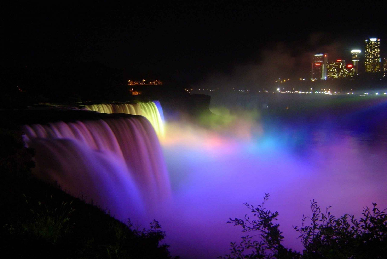 Niagara Falls Sightseeing Tour & Lunch at Hard Rock Cafe