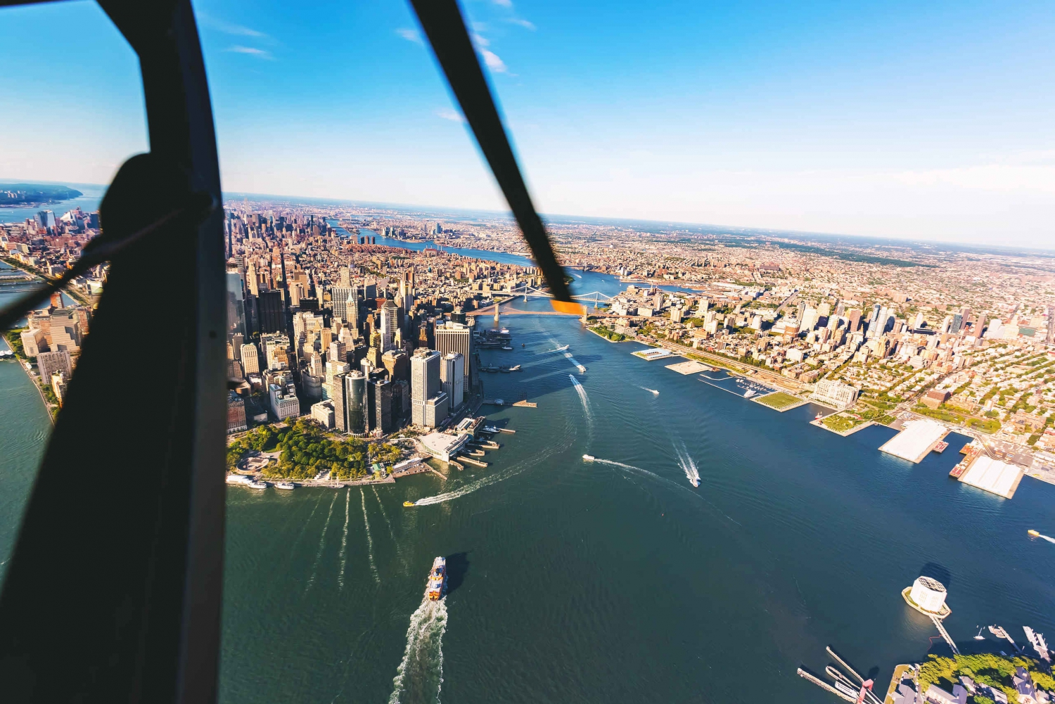 NYC Helicopter Sightseeing Experience with Champagne