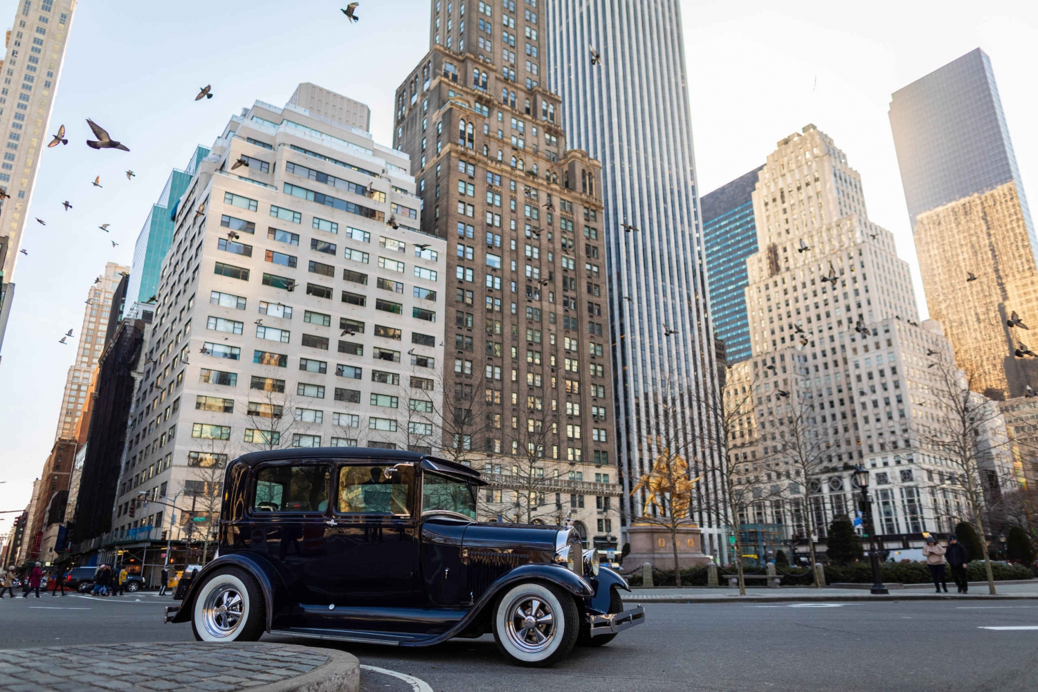 NYC: Historical Private Midtown Tour in a Classic Car