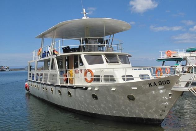 Mirabel Houseboat