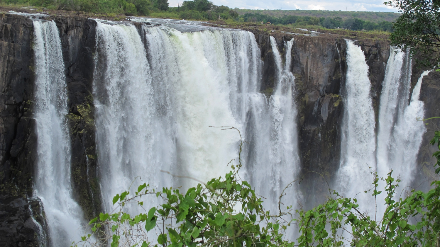 Victoria Falls National Park - The Smoke That Thunders