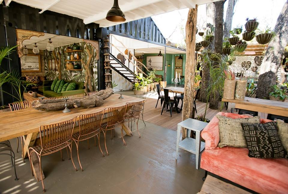 Zambezi House - Bar and Canteen